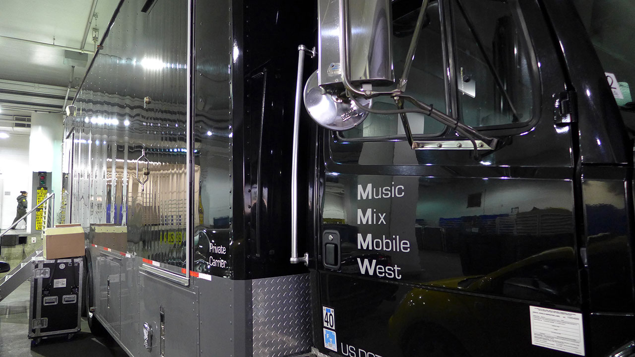 Music Mix Mobile West Truck