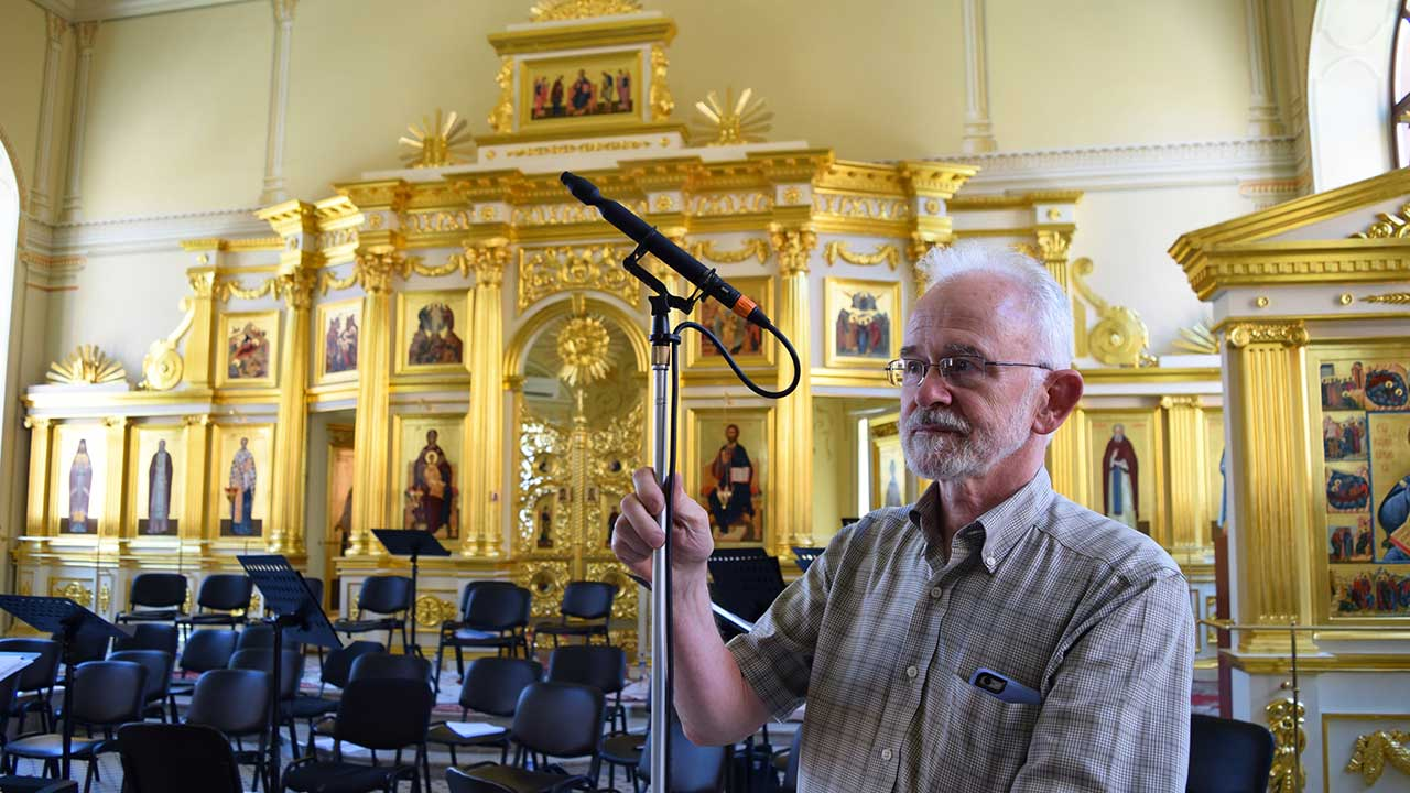 John Newton with Sanken Chromatic's CO-100K microphone