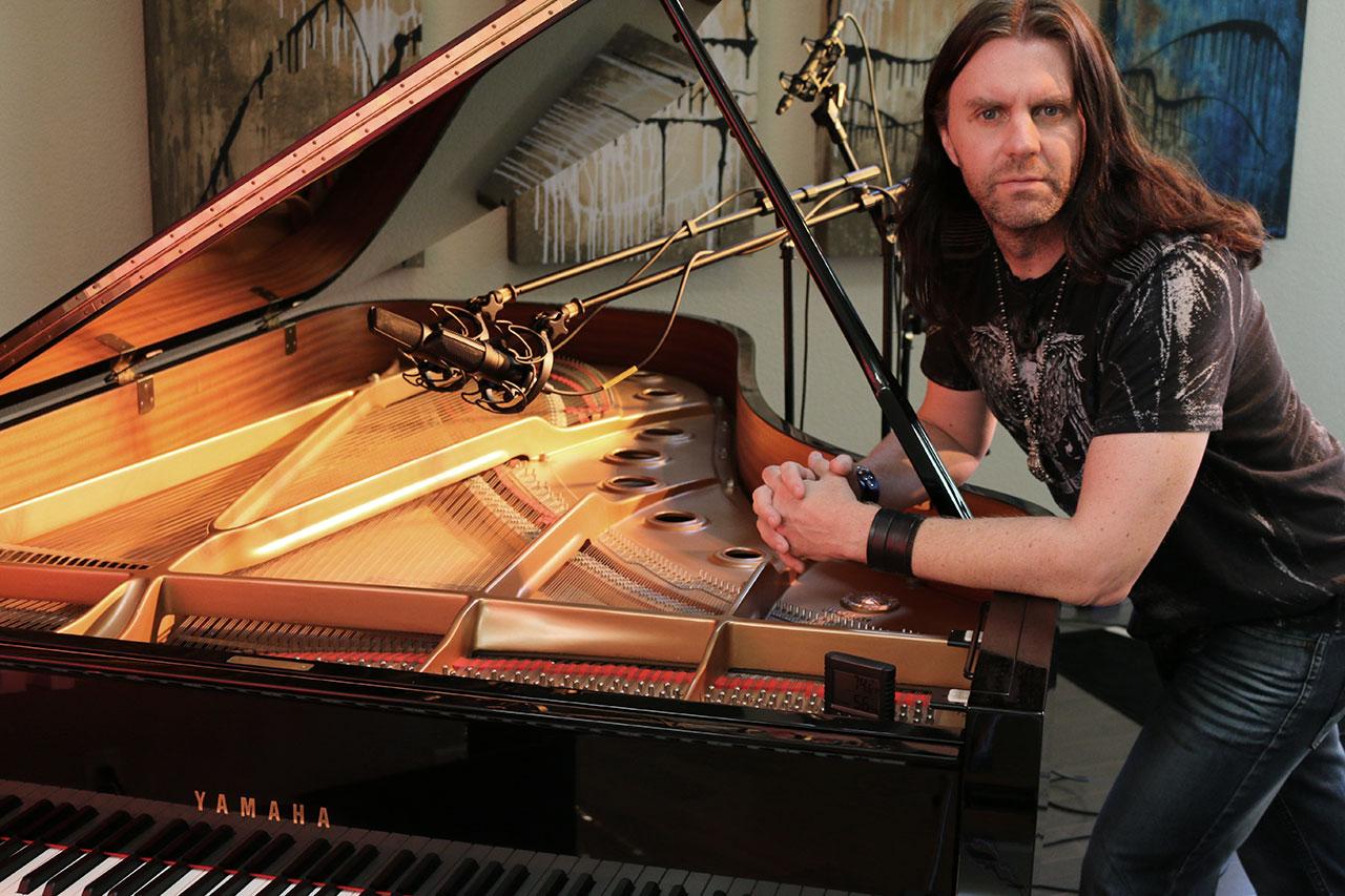 Scott Davis at his piano with CU-44X MK II Mics